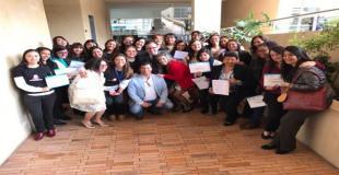 Mujeres graduandose en temas TIC